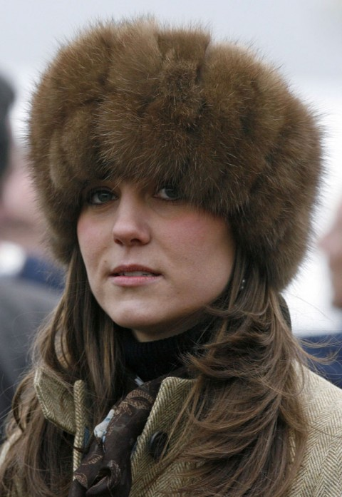 the kate middleton lookbook kate middleton 39 s most stylish hats 2. Black Bedroom Furniture Sets. Home Design Ideas