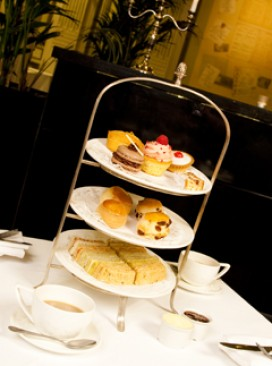 The Waldorf hotel, Afternoon tea, best afternoon teas, where to eat in London, afternoon teas in London, the waldorf, Jubliee celebrations, how to celebrate the jubilee, Lisa Potter, restaurant reviews, afternoon tea reviews,