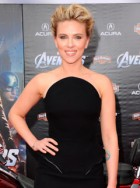 Scarlett Johansson at the Avengers premiere in Los Angeles - red carpet pictures - marie claire