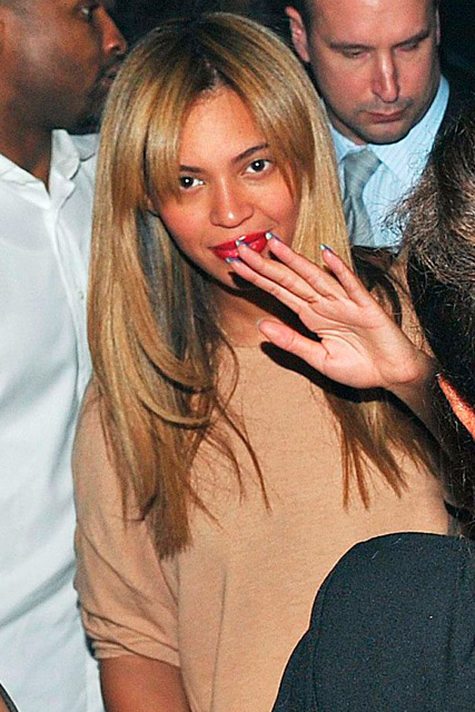 "After Party ""Juste Un Clou"" [12/04] 11116%7C00005eb22%7C7b1f_Beyonce-Knowles-1"