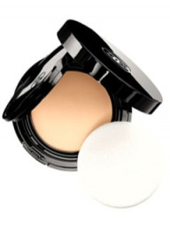 Chanel Vitalumiere Aqua Compact - Beauty Buy of the Day - Marie Clarie 