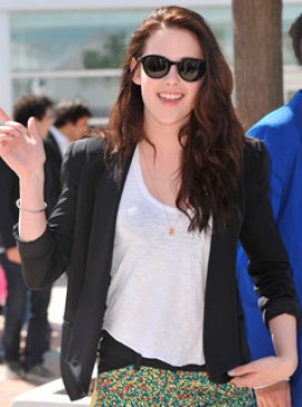 Kristen Stewart arrives at Cannes