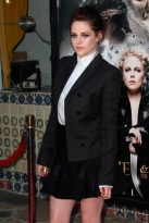 Kristen Stewart gets Gothic at Snow White and the Huntsman premiere