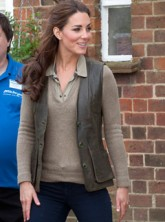 Kate Middleton dresses down for charity outing