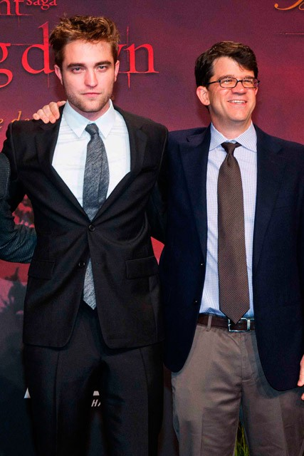 Bill Condon speaks out on the Robert Pattinson and Kristen Stewart scandal