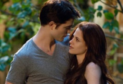 Robert Pattinson &amp; Kristen Stewart in Twilight Breaking Dawn: Part 2