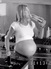 Jennifer Aniston pregnant in new SmartWater advert