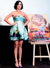 Katy Perry nail art at Part of Me premiere in Tokyo, Japan