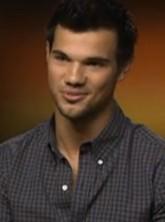 Taylor Lautner on Kristen Stewart