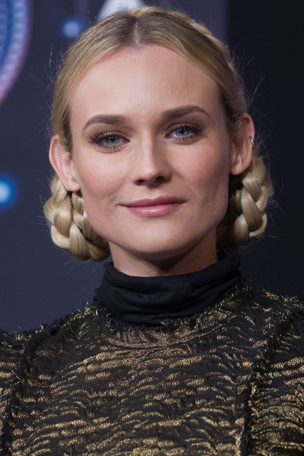 Diane Kruger Christmas lights Paris