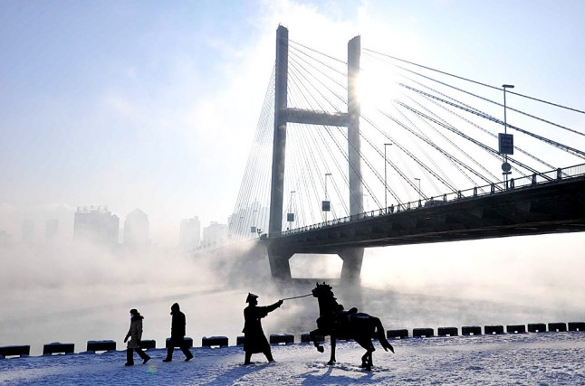 Jilin City China  city pictures gallery : The cold Winter season in Jilin City , China.