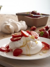 Mini Strawberry Pavlovas