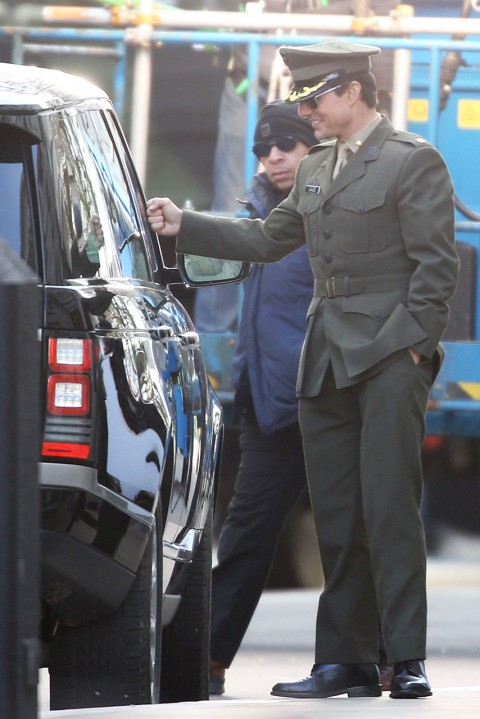 All You Need is Kill On-set Pics - Marie Claire - Tom Cruise - Emily Blunt
