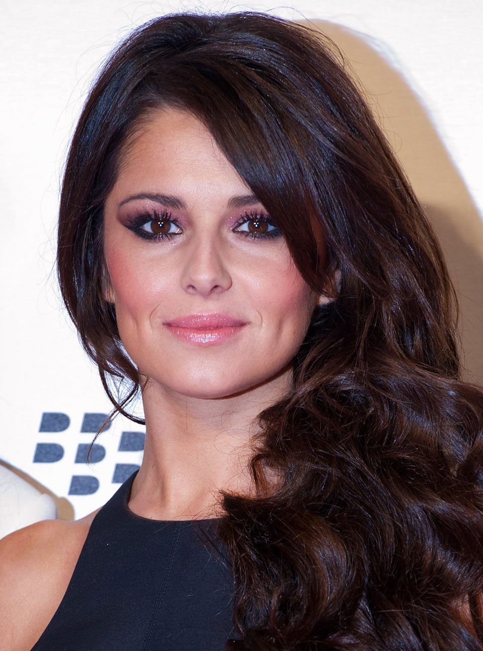 Cheryl Cole Hair How-To Video: Soft Waves | Marie Claire Cheryl Cole