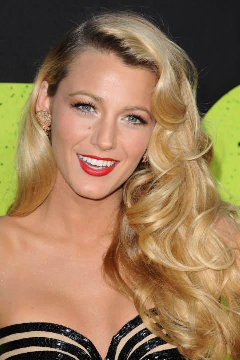 blake lively wavy hair - photo #23