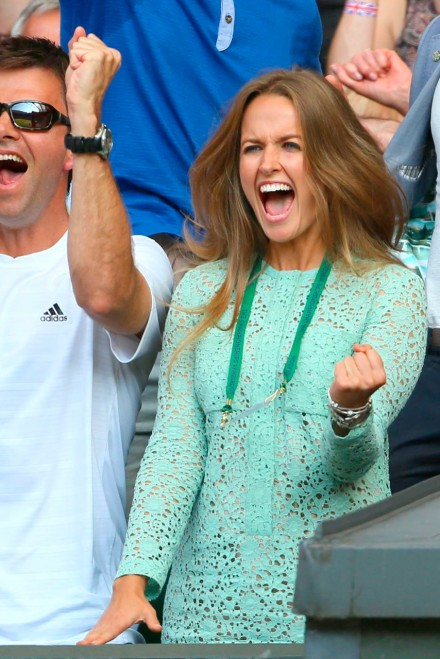 Kim Sears Wows In Victoria Beckham