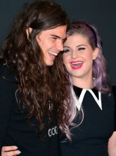 Kelly Osbourne and Matthew Mosshart garticle