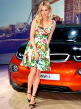 Sienna Miller rocks pretty prints at BMW i3 bash