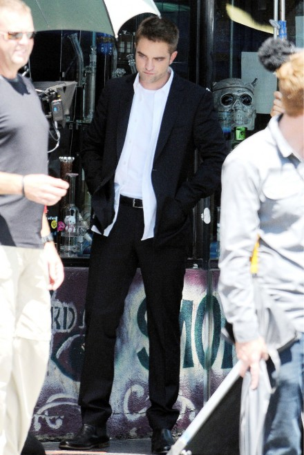 Robert Pattinson - Maps to the Stars film set - Marie Claire - Marie Claire UK