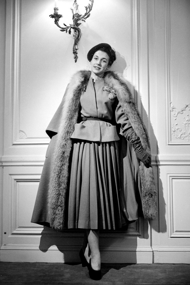 1940's Designer Clothing For Women with a s tea dress