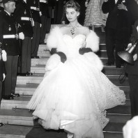 An iconic fashion moment - Sophia Loren at Cannes