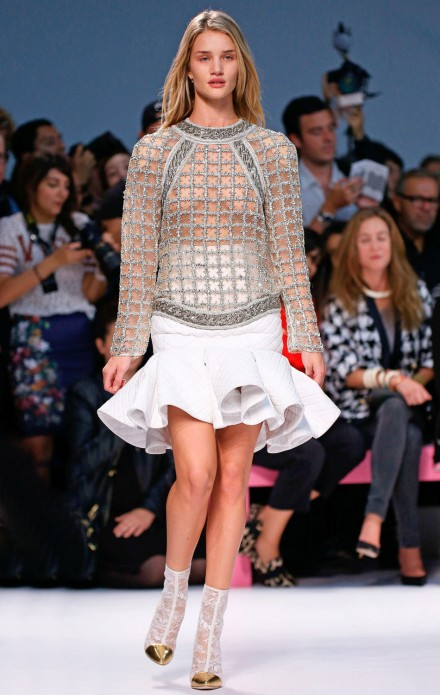 Rosie Huntington Whiteley Hits The Catwalk For Balmain Marie Claire