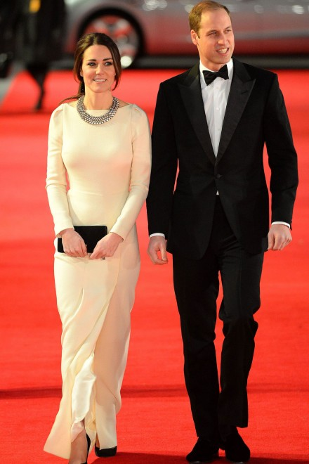 Prince William and Kate Middleton walk the red carpet at the Mandela premiere