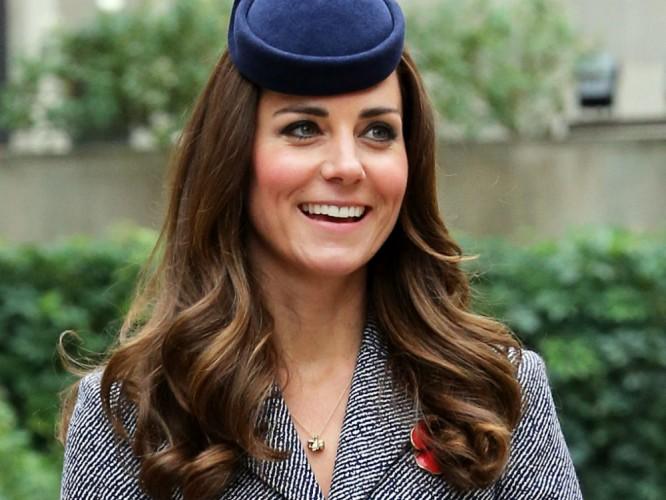 Kate Middleton related to Dakota and Elle Fanning