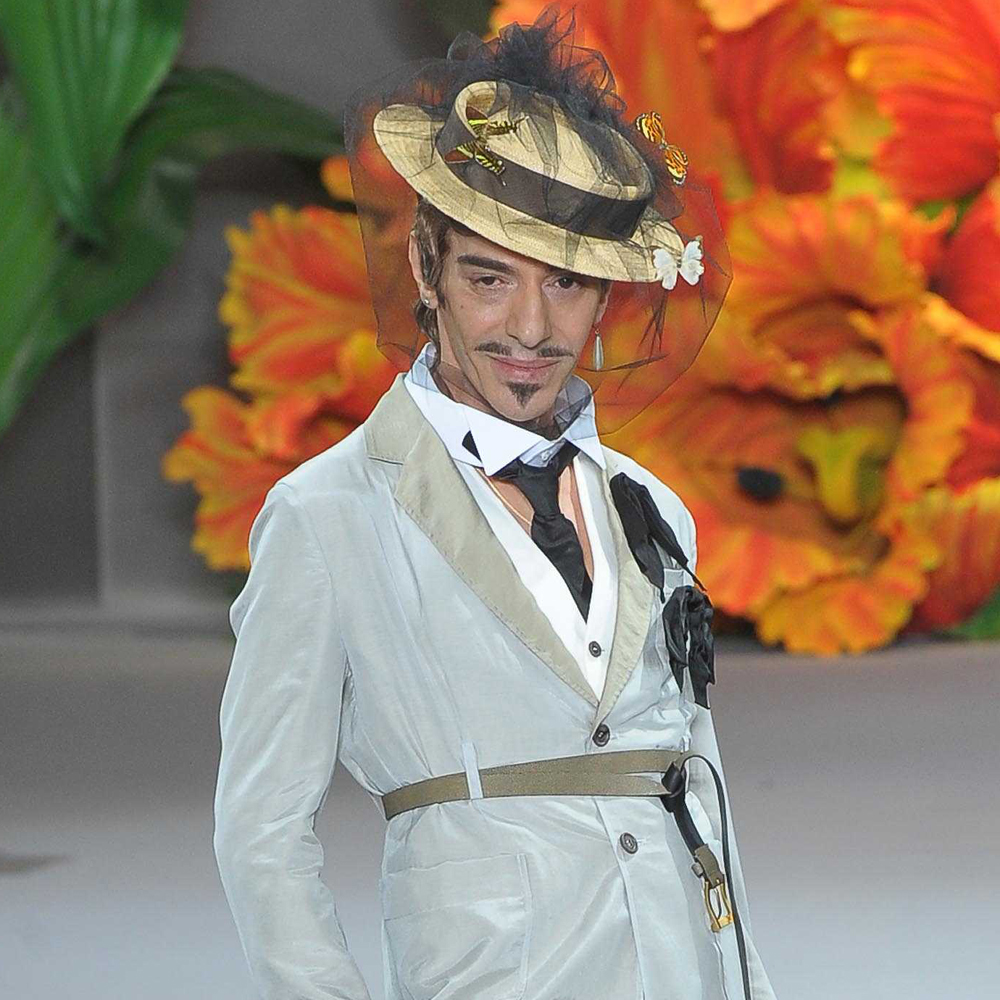 John galliano confirmed as creative director of maison for Galliano margiela