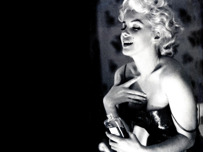 Photo of Marilyn Monroe Chanel No5