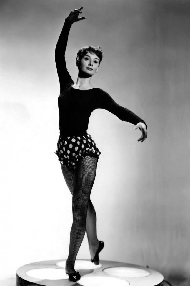 http://marieclaire.media.ipcdigital.co.uk/11116/000087cbc/c27d_orh1000w646/audrey-hepburn-ballet-1952-portrait.jpg