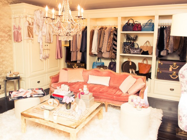 Khloe Kardashian Has An Actual Room Dedicated To Just Her Fitness Wear Lisa Adams Of LA Closet Design Created The 150 Square Foot Space Which Is Filled