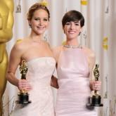 Jennifer Lawrence Anne Hathaway Friends Actresses Oscars