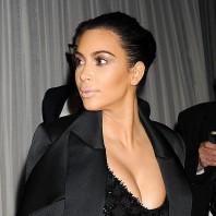 Kim Kardashian - Contour makeup