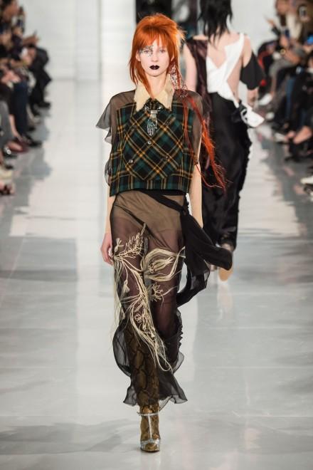 Maison Margiela David Bowie Inspired Make Up Catwalk Paris SS16