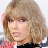 Taylor Swift copper eye makeup at iHeart Music Awards 2016