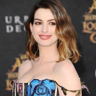 Anne Hathaway bob hairstyle