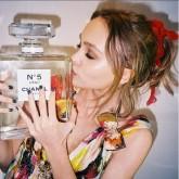 Lily Rose Depp Instagram Chanel N.5 L'Eau.jpg