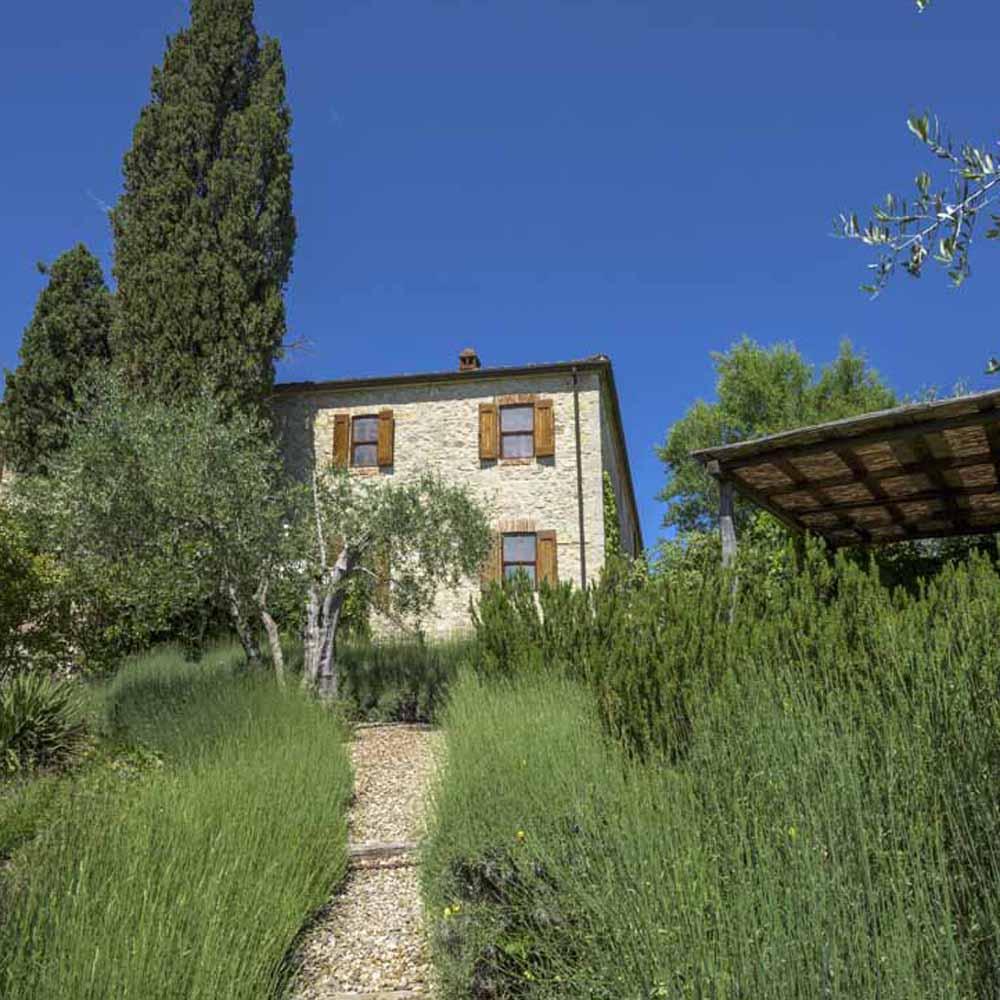 Easy Escapes: La Vigna at Montebuoni, Chianti, Tuscany
