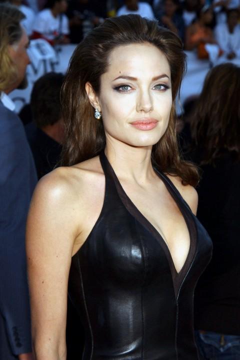 News Pics and More... - Page 6 Angelina-12
