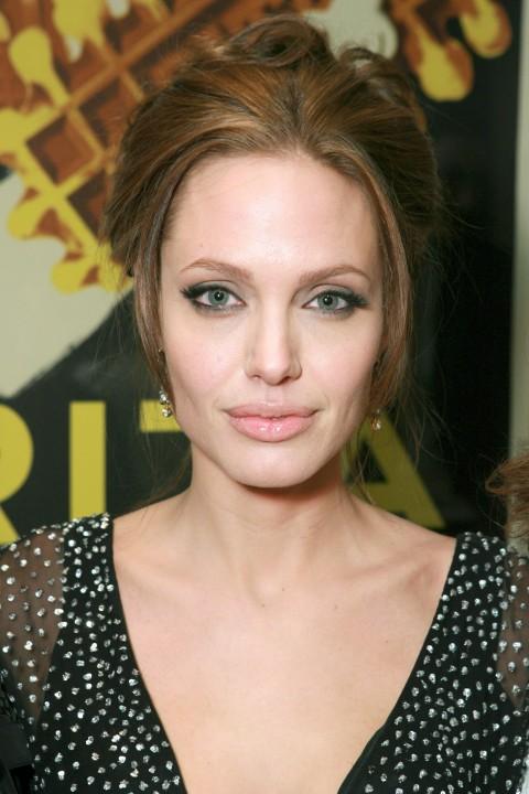 News Pics and More... - Page 6 Angelina-14